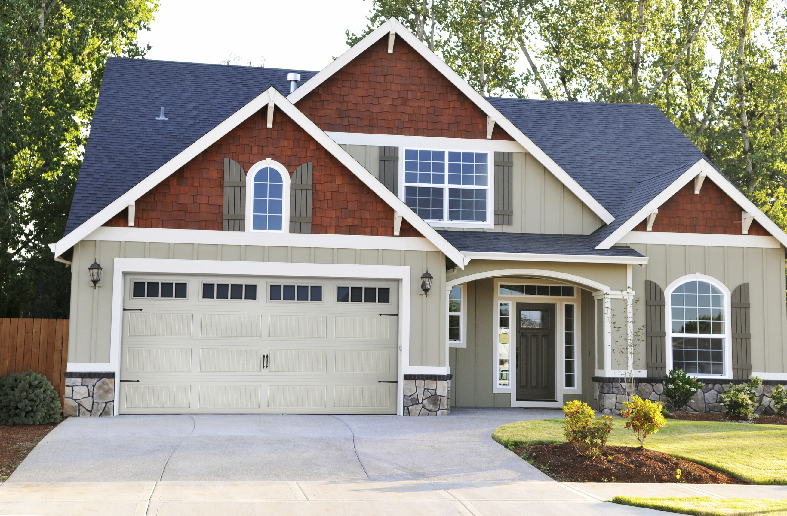 Doors To Garage: Residential / Commercial Garage Door Installation And Repair